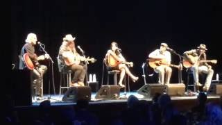 """Chris Stapleton """"When The Stars Come Out"""" at """"All For The Hall"""" benefit"""