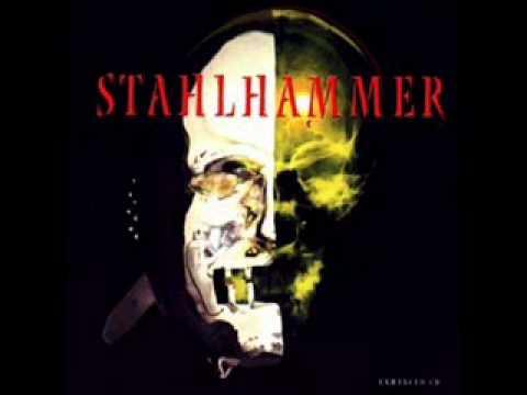 Stahlhammer: Eisbär