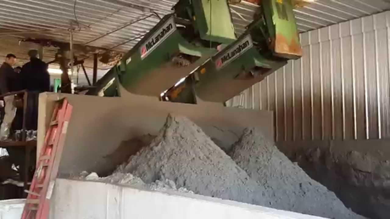 очистка початков кукурузы от зерна - YouTube