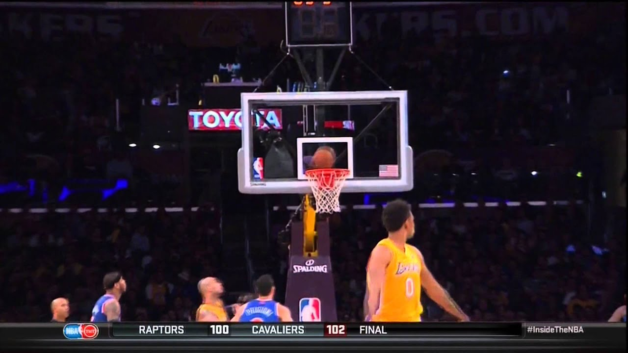 Steph Curry pulled a Nick Young by prematurely celebrating a missed 3-pointer