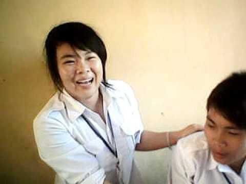 nu sinh danh nam sinh( THPT Nguyen Trai- Hai Phong)