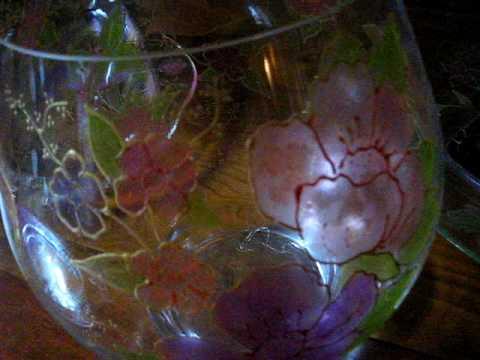 Peinture sur verre plats et vase youtube for Peinture sur verre