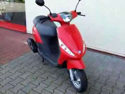 piaggio zip 50 10 roller scooter youtube. Black Bedroom Furniture Sets. Home Design Ideas
