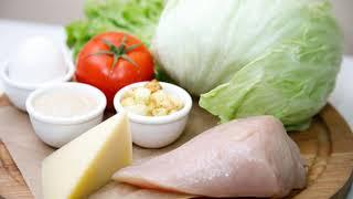 Классический салат Цезарь. Очень вкусно и просто.