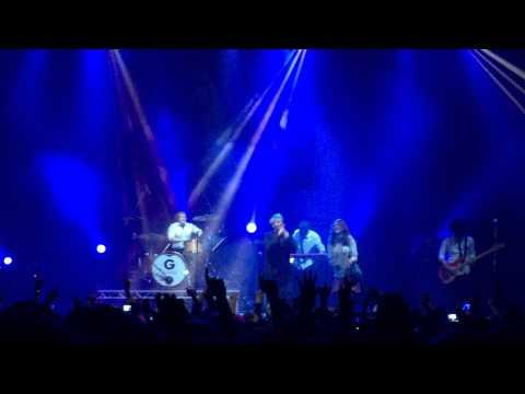 Gerard Way - Get the Gang Together (live)...