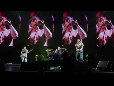 "Red Hot Chili Peppers 4/24/17 ""Suck My Kiss"" at Jacksonville Veterans Memorial Arena"