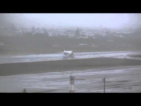 TAP PORTUGAL AIRBUS 320 taking off from Terceira Airport, Very heavy weather conditions