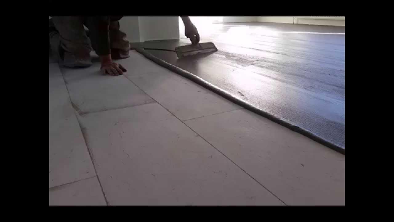 Kun je een vloer leggen over natuursteen youtube