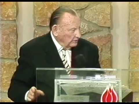 Lester Sumrall   Don't Quit 1996