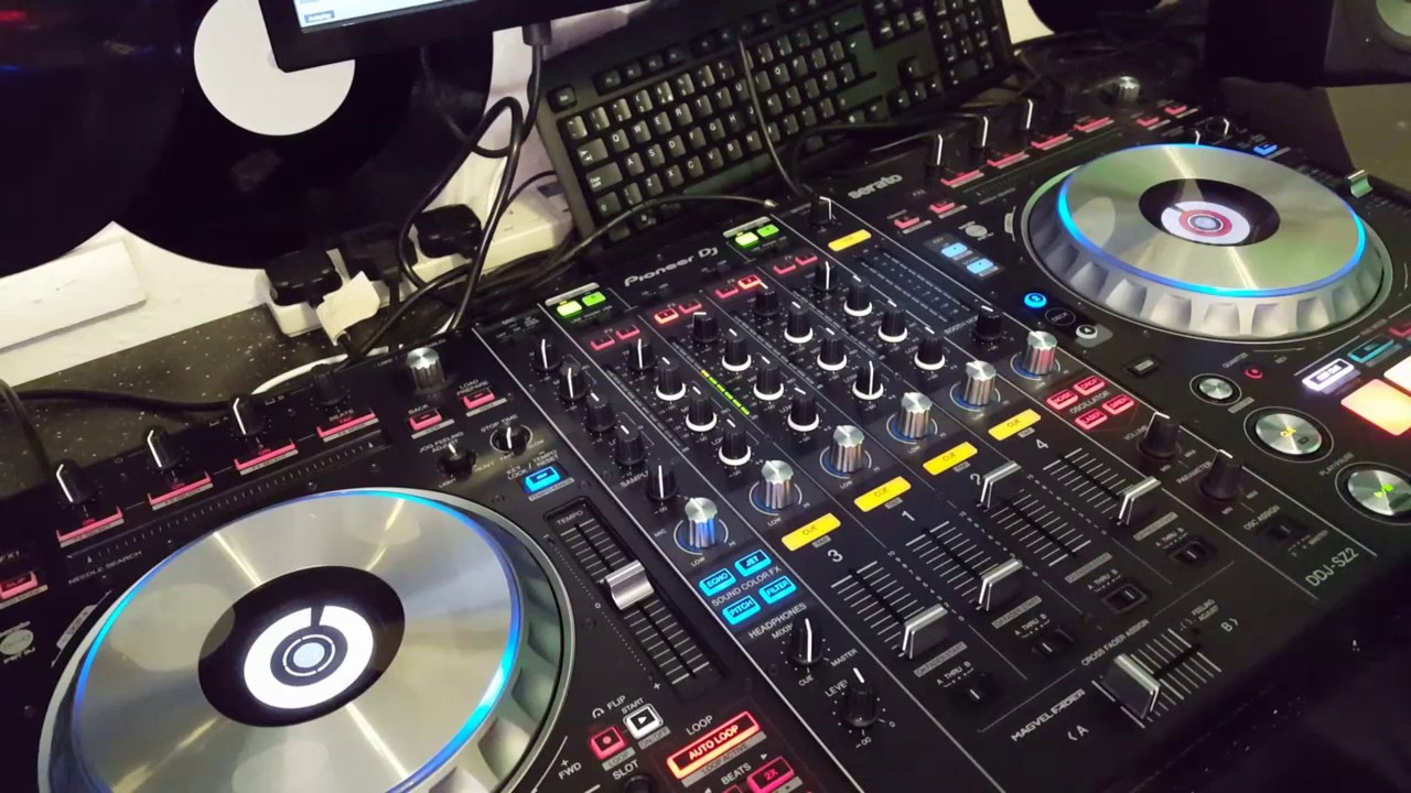 scratching on pioneer ddj sz2 my thoughts youtube. Black Bedroom Furniture Sets. Home Design Ideas