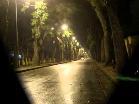 Nửa đêm ngoài phố Lệ Quyên