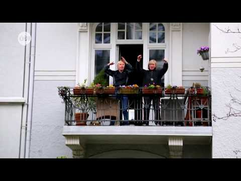 ألمانيا: مدرب يشجع على كسر روتين الحجر الصحي بتدريبات رياضية من شرفات المنازل  - نشر قبل 9 ساعة