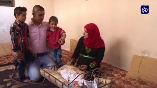 فلسطيني يطلق اسم الشهيد معاذ الكساسبة مركباً على طفله - (11-9-2017)