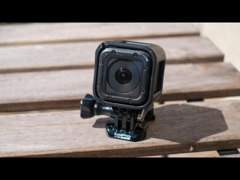 How to put and take out a SD card from a Go Pro session - tutorial