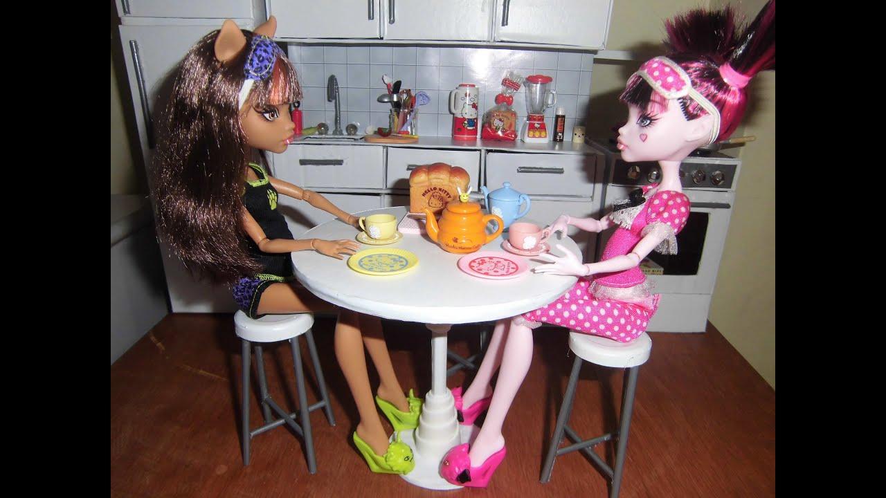 Como fazer uma mesa redonda para boneca Monster High Pullip Barbie e  #AD1E60 3000x2250