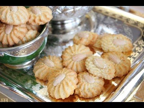 petits-gâteaux-aux-amandes-/-almonds-cookies-recipe-/-حلوى-اللوز-لعيد-الفطر