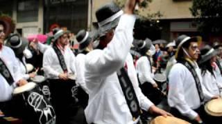 URUMUNDO 2011 - CANDOMBE EN EL DESFILE DE CARNAVAL DE VIGO (GALICIA)