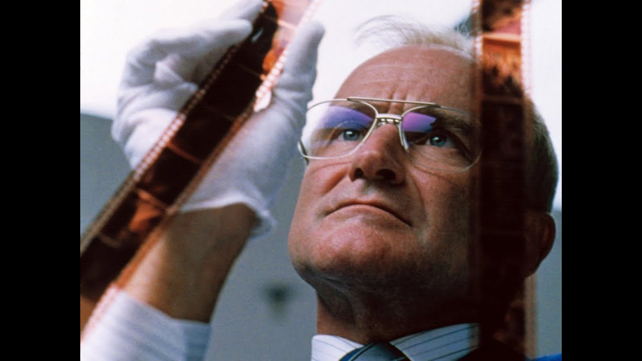 one hour photo robin williams diagnosis Free college essay one hour photo one hour photo one hour photo is a psychological thriller about a man, seymour 'sy' parrish (played by robin williams).