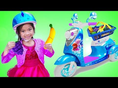 Emma Pretend Play with Disney Frozen Scooter Ride-On Toy