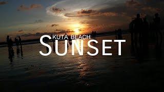 Menikmati sunset di Pantai Kuta, Bali