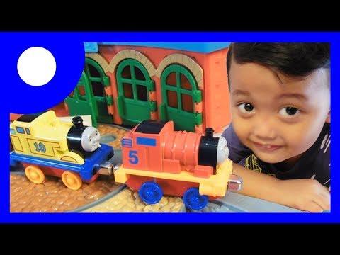 Mainan Pelangsiran Kereta Api Thomas and Friends dan Keong Belajar Berhitung   Satria Fun n Play