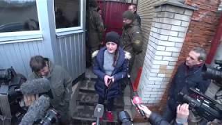 Юлия Толопа у російському консульстві