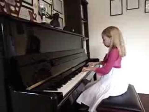 6 year old pianist Alicja : Polka Tritsch Tratsch -J. Strauss