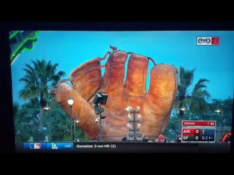 DBacks Bob Brenly on the three fingered Giants glove