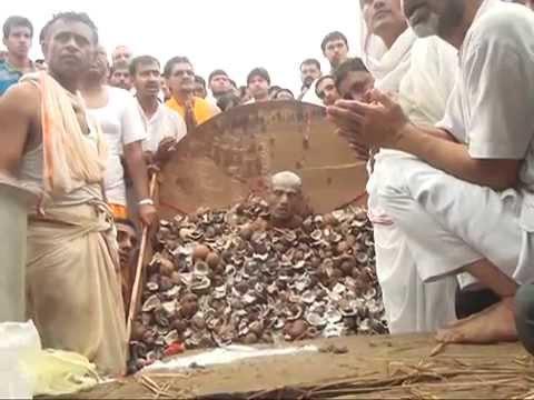 विदिशा में मुनिश्री शांतिसागर जी महाराज की समाधि (13-08-2014) : {Disc-1}