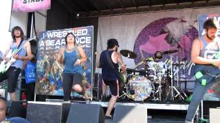 iwrestledabearonce - Tastes Like Kevin Bacon live @ Warped Tour 2010
