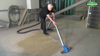 Industrial vacuum cleaning in an animal feed plant