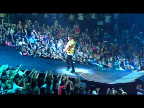 Justin Bieber - Boyfriend (9/29/12) - Glendale, AZ [HD]