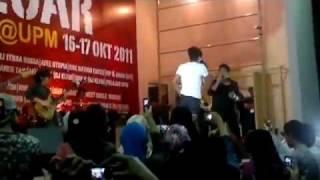 Meet Uncle Hussien feat. Hazama - Pokok (Live @ Bukit Ekspo UPM Serdang) - Konsert Gegar KLfm