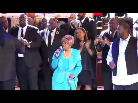 Old School Gospel Church Music At Aretha Franklin's Tribute Concert In Detroit!