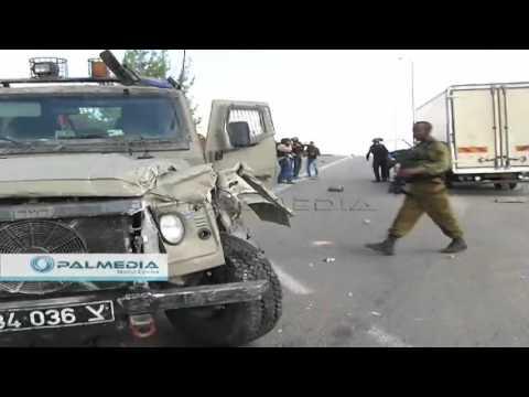 #HEBRON حادث سيارة فلسطينية بجيب عسكري  لقوات الاحتلال شمال الخليل