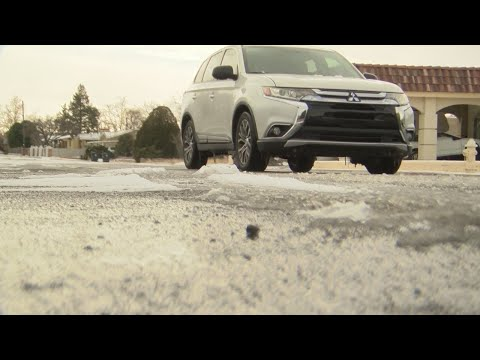 Crews work to keep streets in Rio Rancho, westside Albuquerque clear