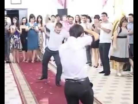 Видео: Супер Уйгурский танец