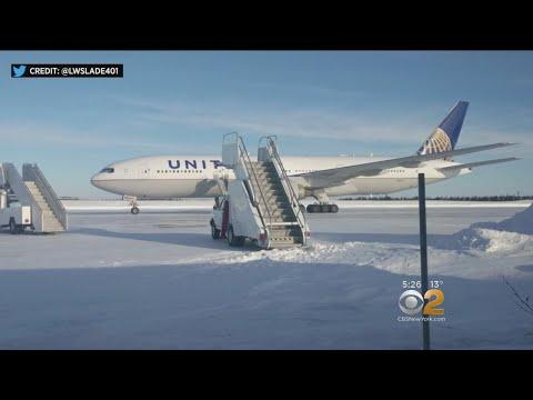 Lawmakers Slam Canada For United Flight Debacle