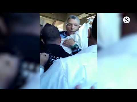 Reform Jewish leaders roughed up at Western Wall attempting to hold Torah-reading service