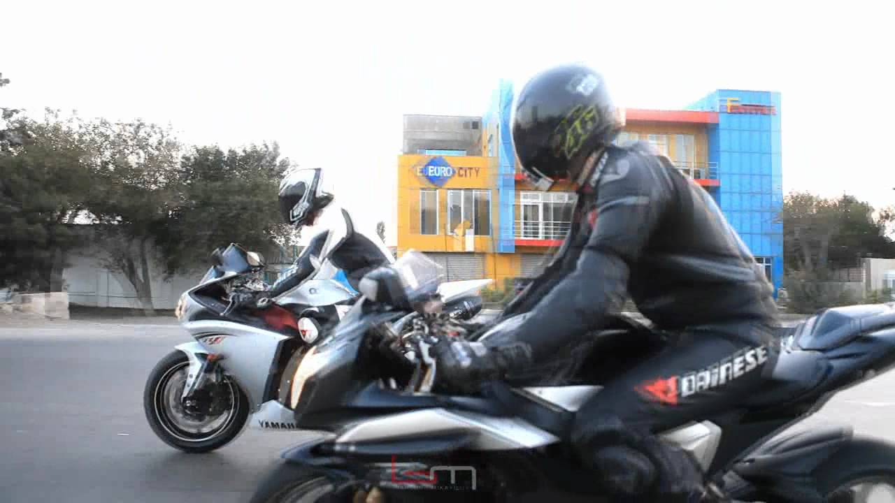 SUZUKI GSXR1000 vs YAMAHA R1 - YouTube