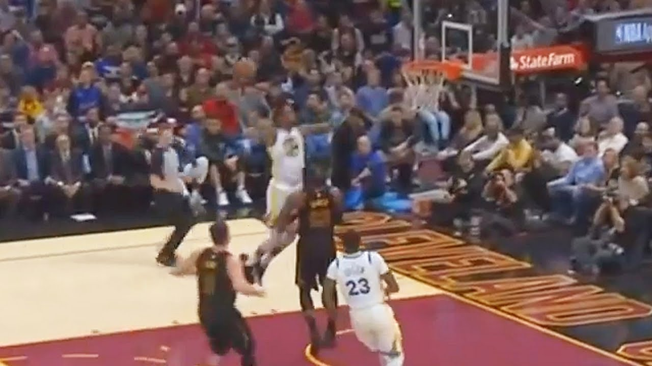 6f1ba22893d3 Kevin Durant DUNKS on LeBron James! Warriors vs Cavaliers January 15 ...