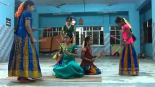 Kolattam Dance - Ninnu Nammi Vachinamu
