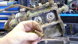 How to dismantle and reseal your Ferguson TEF20 Injection Pump.