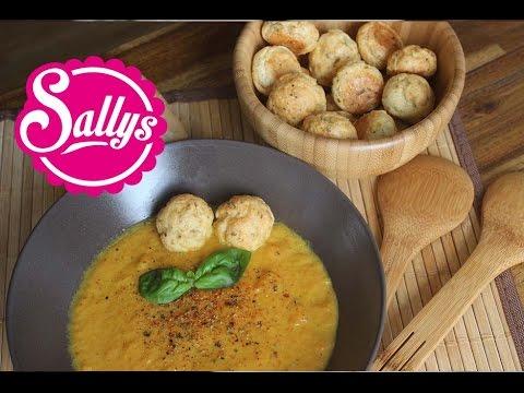 Karottensuppe / Möhrensuppe mit würzigen Käsebällchen / Sallys Welt