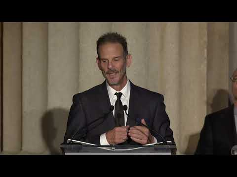 Peter Berg Accepts the 2019 AAM Award