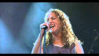 Watch Joan Osborne What Becomes Of The Brokenhearted video
