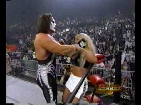Hollywood Hulk Hogan saves Sting and Eric Bischoff