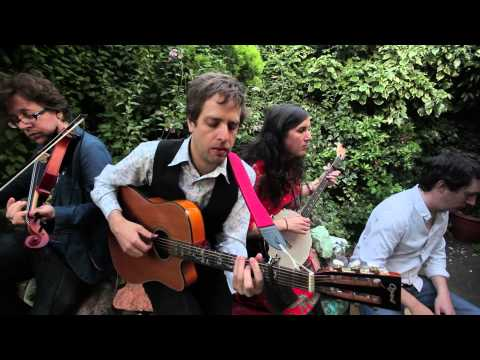 The Bara Bara Band - Ramble Away (traditional)