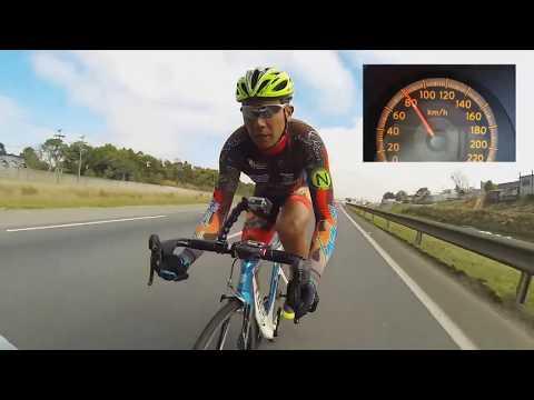 На велосипеде со скоростью 150 км/ч