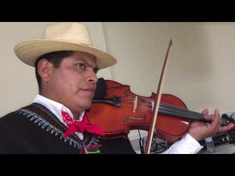 Marimba Club Eulense tocando con Violin en Dalton Georgia